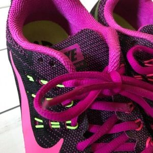 Nike Zoom Structure 18 Women's Road Shoe Size 6.5